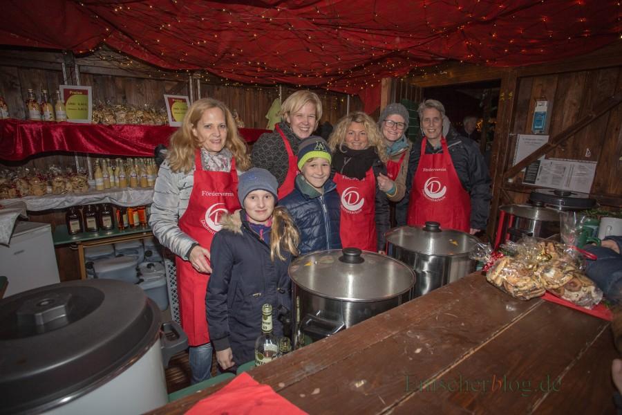 Gemeinnützige Vereine, Schulen und Kindergärten zahlen künftig keine Gebphren mehr für ihre Beteiligung am Weihnachtsmarkt. (Foto: P. Gräber - Emscherblog)