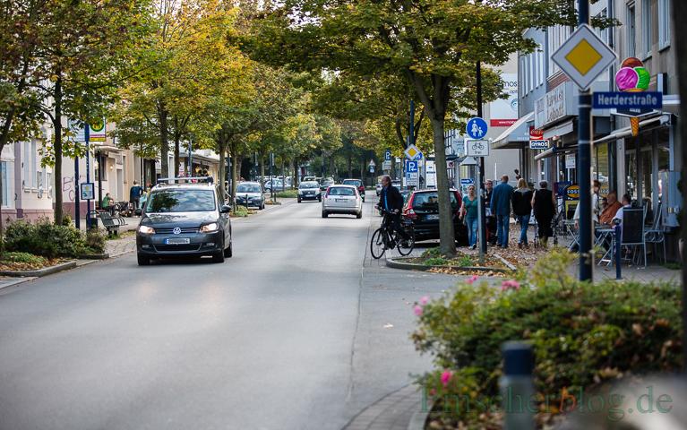 Die Pflege des Straßengrüns und die Qualität des Einzelhandels in der Ortsmitte sind Themen, die viele Holzwickeder beschäftigen,. hat die SPD bei ihrer Umfrageaktion festgestellt. (Foto: P. Gräber - Emscherblog.de).
