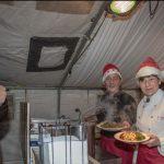 Deutsche Rotes Kreuz bietet wieder deftigen Grünkohl  auf Weihnachtsmarkt an