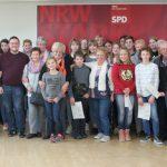 Schüler der Josef-Reding-Schule und Senioren besuchen gemeinsam Landtag