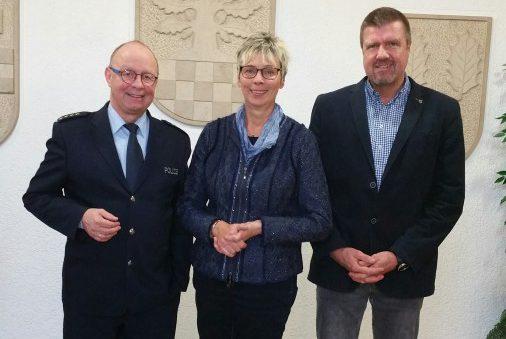 Peter Schwab (Leiter der Kreispolizeibehörde Unna), Ulrike Drossel (Bürgermeisterin), Bernd Kasischke (1. Beigeordneter)