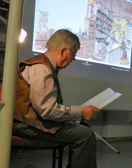 Ins Vorlesen seiner Geschichte vertieft: Günter Nitzgorski. (Foto: privat)
