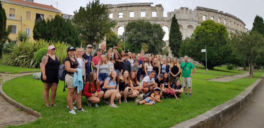 Nach der sehr positiven Resonanz führt auch die neue Sommerfreizeit des Treffpunktes Villa wieder nach Istrien. Das Foto zeigt die Teilnehmer der Istrien-Freizeit im Sommer 2018. (Foto: privat)