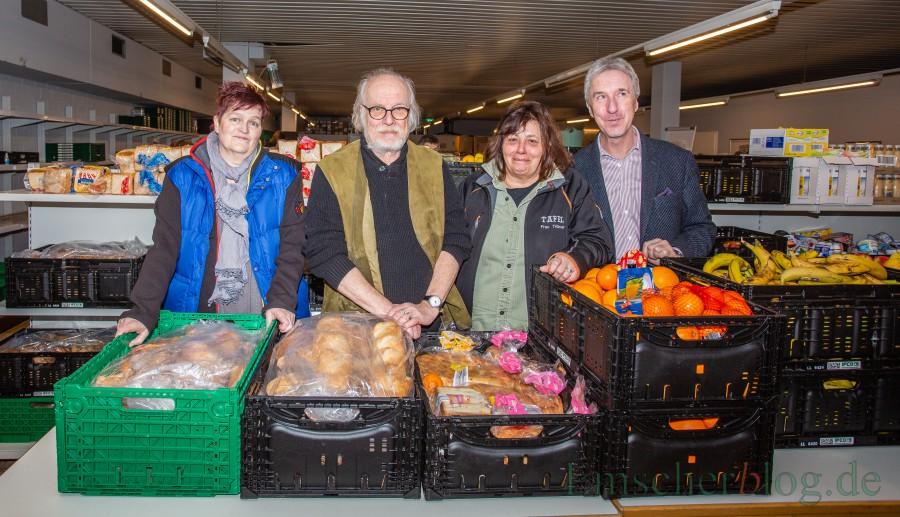 Vorstand der Tafel Kreis Unna, v.li.: Patricia Westermann, Roland Lutz, Ulrike Trümper und Helge Rosenstengel. (Foto: P. Gräber - Emscherblog.de)