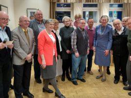 Edith Schlottedr und Walter Mäx waren mit 87 Jahren die beiden ältesten Teilnehmer der Geburtstagsnachfeier im Seniorentreff. (Foto: privat)