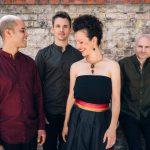 """""""Moi et les autres"""": Abheben mit französischen Swing und Chansons"""