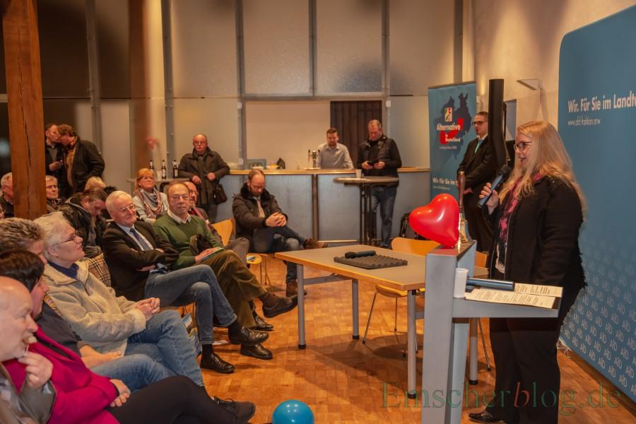 Die AfD-Landtagsabgeordnete Iris Dworeck-Danielowski aus Köln, Sprecherin für Familie, Kinder und Jugend, war die zweite Referentin des Abends. (Foto: P. Gräber - Emscherblog)