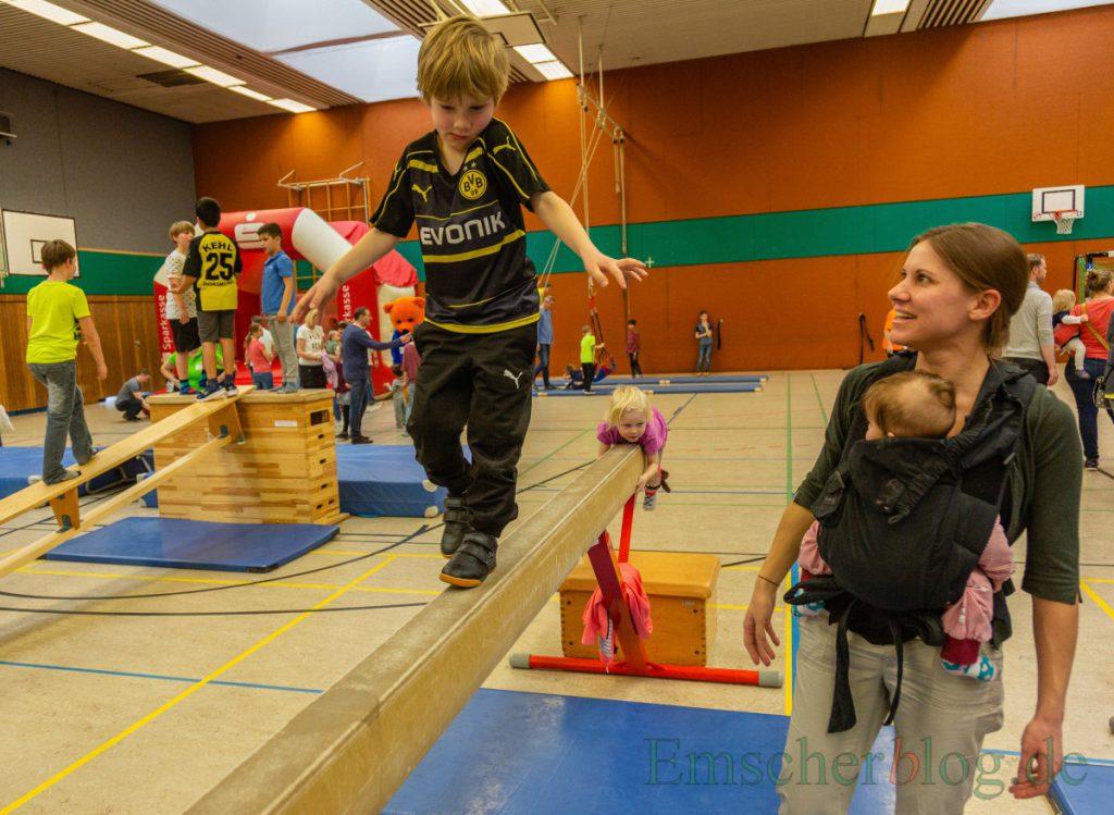Mehr als nur Fußball: Der HSC lädt am kommenden Sonntag wieder Familien zum Spielfest in die Hilgenbaumhalle ein. (Foto: P. Gräber - Emscherblog)