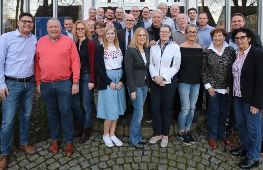 Der Landtagsabgeordnete und Generalsektretär der CDU NRW, Josef Hovenjürgen (2.v.li.) war am Wochenende Gast des CDU-Kreisvorstandes. Ganz links im Bild der CDU-Kreisvorsitzende Marco Morten Pufke. (Foto: Martin Gerling - CDU)