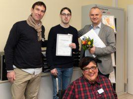 (v.l.): André Bloch, Sebastian Waschewski, Miriam Langhoff und Maciej Kozlowski freuten sich gemeinsam über die bestandene Ausbildung.