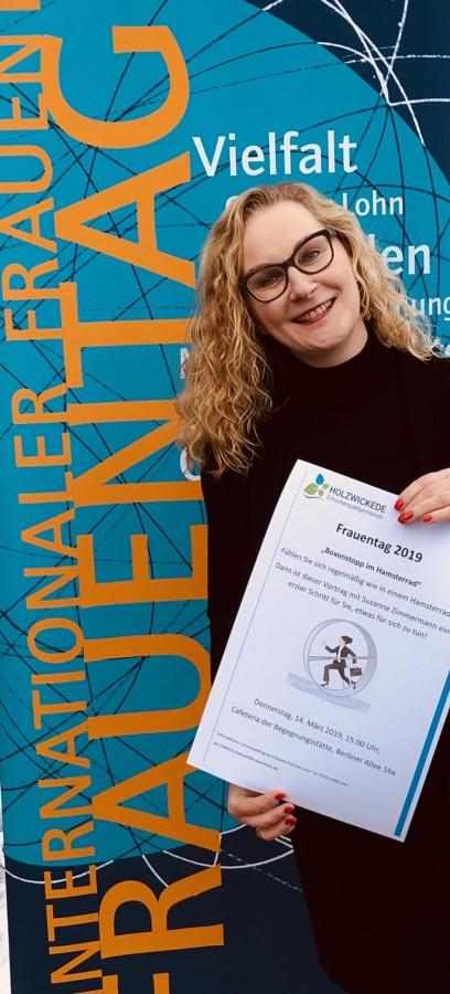Die Gleichstellungsbeauftragte der Gemeinde, Manuela Hubrach,, lädt zum Frauentag 2019 ein. (Foto: Gemeinde Holzwickede)