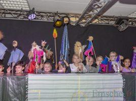 Zum Abschluss des Puppenspiel-Projektes in den Osterferien findet morgen (18. April) ab 11 Uhr die große Premiere im Treffpunkt Villa statt: Die jungen Puppenspieler können die Aufführung kaum erwarten. (Foto: P. Gräber - Emscherblog)