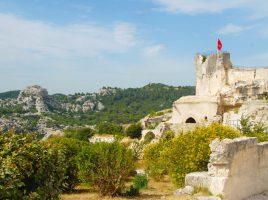 Faszinierende Region: Die Alpilles - ein Gebirgszug der Provence nahe dem Luberon. (Foto: Hilke Maunder)