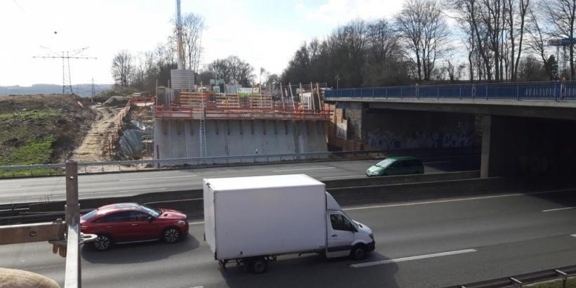 Die Brücke an der Anschlussstelle Sölde wird neu gebaut, weshalb es ab 6. April erstmals zu einer Vollsperrung der B1 kommen wird. (Foto: DEGES)