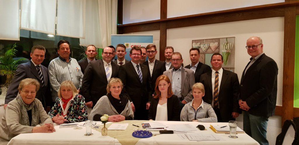 Der neugewählte Vorstand der CDU Holzwickede mit Das Foto zeigt den neugewählten Vorstand zusammen mit dem Kreisvorsitzenden Marco M. Pufke. (Foto: CDU)