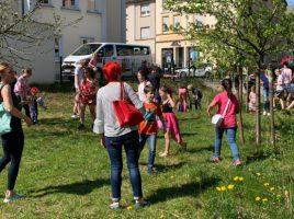 Die Sonne und der Osterhase lachten bei der Ostereier-Suche der CDU am Treffpunkt Villa um die Wette. (Foto: privat)