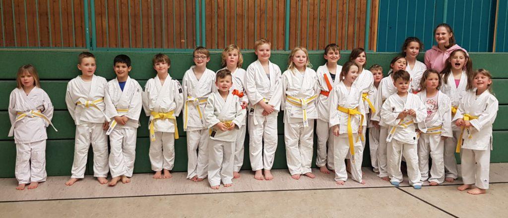 Der erfolgreiche Judo-Nachwuchs des JCH erkämpfte sich neue Gürtel. (Foto: privat)