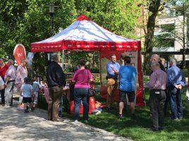 Die Ostereier-Suche, zu der die SPD heute in den Emscherpark eingeladen hatte, war recht gut besucht. (Foto: privat)