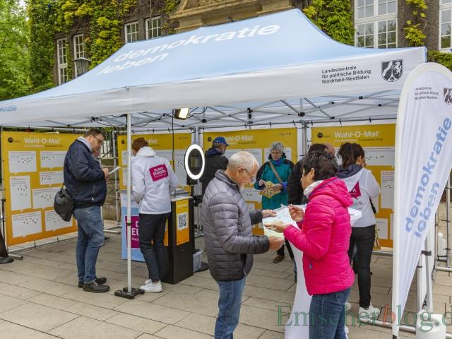 Auch die Landeszentrale für politische Bildung NRW nimmt mit ihrem Wahl-O-Mat und jeder Menge Informationen zu Europa am Europatag in Holzwickede teil. (Foto: P. Gräber - Emscherblog)