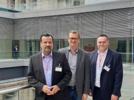 Oliver Kaczmarek (SPD MdB) mit dne beiden Unnaer Betriebsräten Gerd Bendiks und Dirk Schumacher. (Foto: privat)