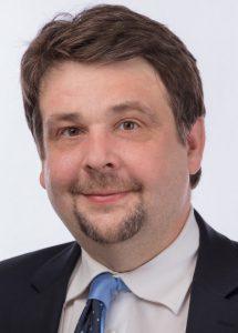 """EU-Parlamentarier Dennis Radtke (<span class=""""caps"""">CDU</span>) wirbt für Europa auf dem Wochenmarkt"""