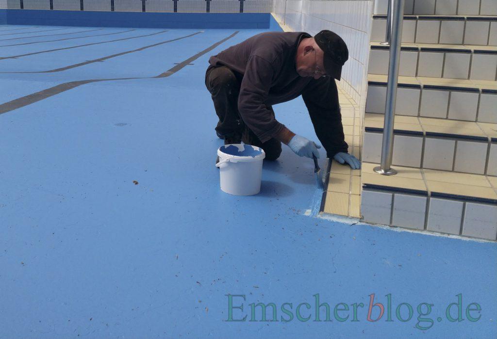 Die Sanierung in Eigenregie wird es auch künftig vor jeder Saison geben: Der Betriebsausschuss sprach sich heute gegen eine Sanierung mit Edelstahlbecken aus. (Foto: P. Gräber - Emscherblog.de)