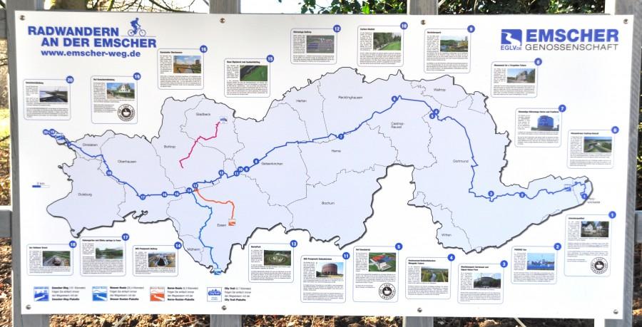 Karte am Rande des Emscher-Radweges, die den gesamten Verlauf der Strecke zeigt. (Foto: Gerd Puls)