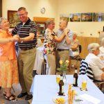 Tanzabend im Seniorentreff begeisterte Gäste