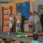 Theater AG feiert Premiere: Paradiesische Zustände in der Dudenrothschule
