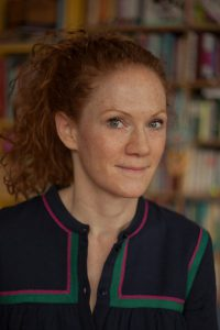 Tanja Raich liest auf Haus Opherdicke. Foto: Kurt Fleisch