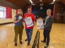 Freuen sich auf die Eröffnung der Kleinkunstbühne Rausingen, v.l.: Sina Rumke, Matthias Auferrmann (Leitung Fb II) und Bürgermeisterin Ulrike Drossel. (Foto: P. Gräber - Emscherblog)