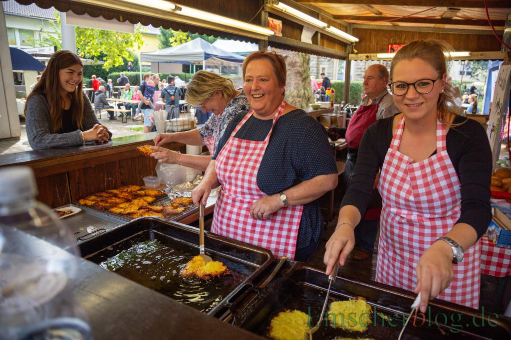 Die Liebfrauengemeinde hatte an diesem Wochenende zum Pfarrfest geladen: Dier Besucher, aber auch die zahlreichen Helfer hatten ihren Spaß. (Foto: P. Gräber - Emscher)