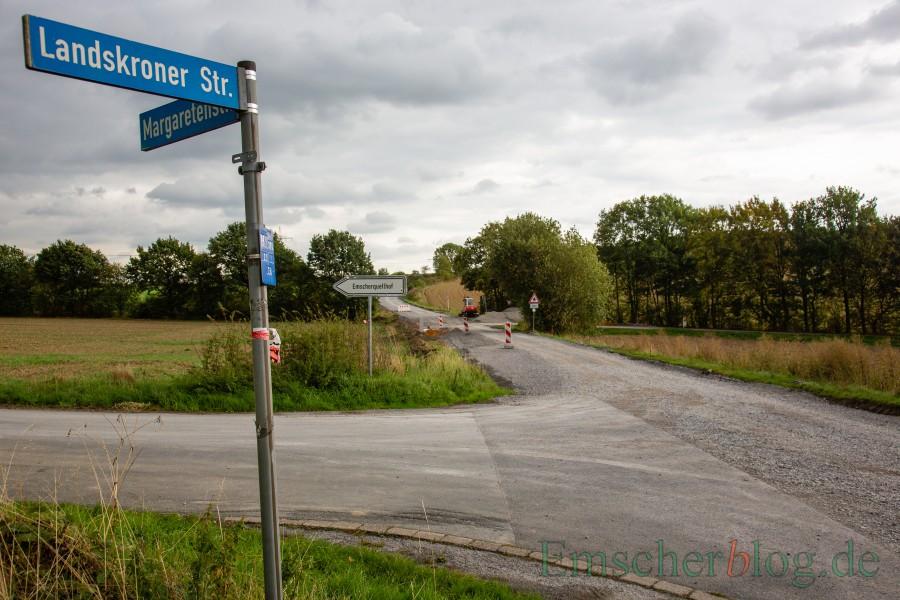 Ab Montag soll es nach dem Baustopp auf der Landskroner Straße weitergehen - zunächst mit der Verlegung der neuen Wasserleitung der DEW21. (Foto: P. Gräber - Emscherblog.de)