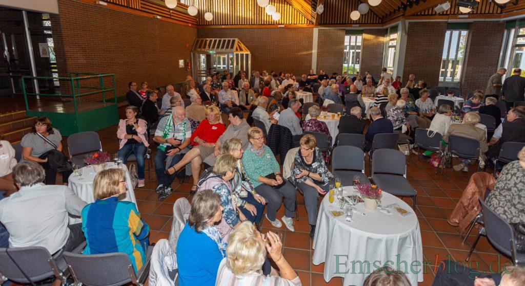 Etwa 170 ehrenamtlich Tätige waren zum zweiten Ehrenamtstag der Gemeinde ins Forum gekommen. (Foto: P. Gräber - Emscherblog.e)