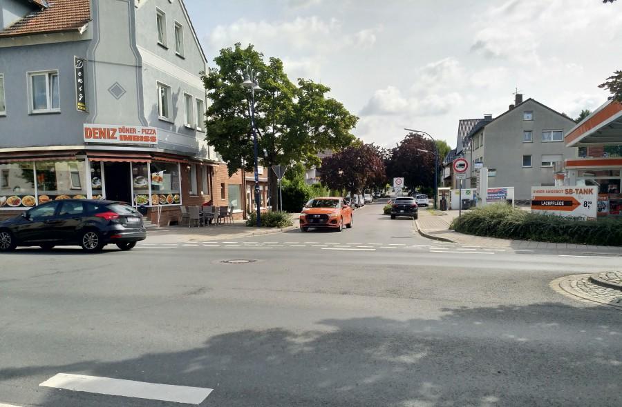 Die SPD schlägt vor, die Einfahrt in die Mozartstraße von der Nordstraße aus mit einem Verbot der Einfahrt-Schild zu sperren. (Foto: P. Gräber -Emscherblog)