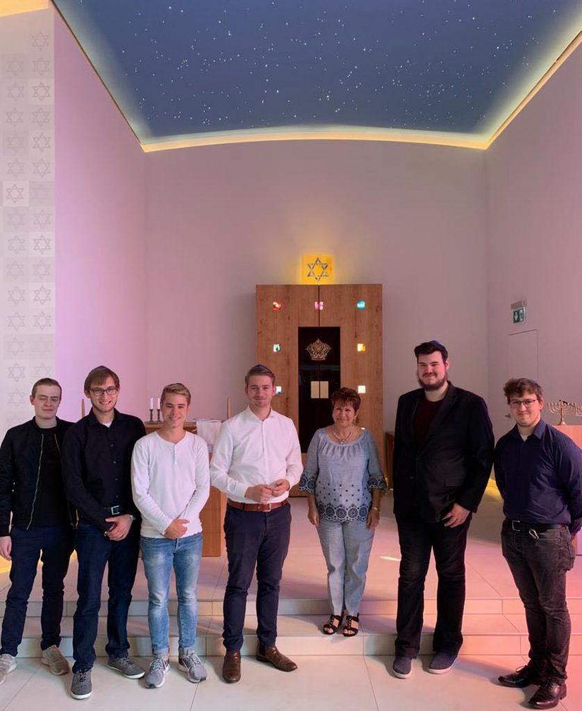 Mitglieder der CDU und Jungen Union Holzwickede bei ihrem Besuch in der Synagoge in Unna. (Foto: privat)