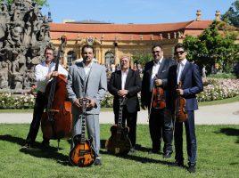 Das Romeo Franz Ensemble mit Johannes Schaedlich, David Reinhardt, Joe Bawelino, Romeo Franz und Sunny Franz (v.l. gastiert am 17. Oktober auf Haus Opherdicke. (Foto: RFE)