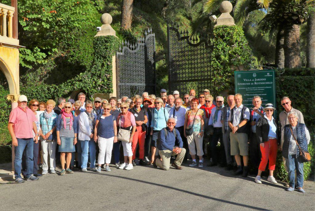 Gruppenfoto der Teilnehmer vor der Villa und den Gärten Ephrussi auf Cap Ferrat . (Foto: Franz Wiemann)