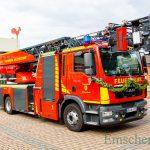 Neue Drehleiter der Holzwickeder Feuerwehr mit ökumenischem Segen übergeben