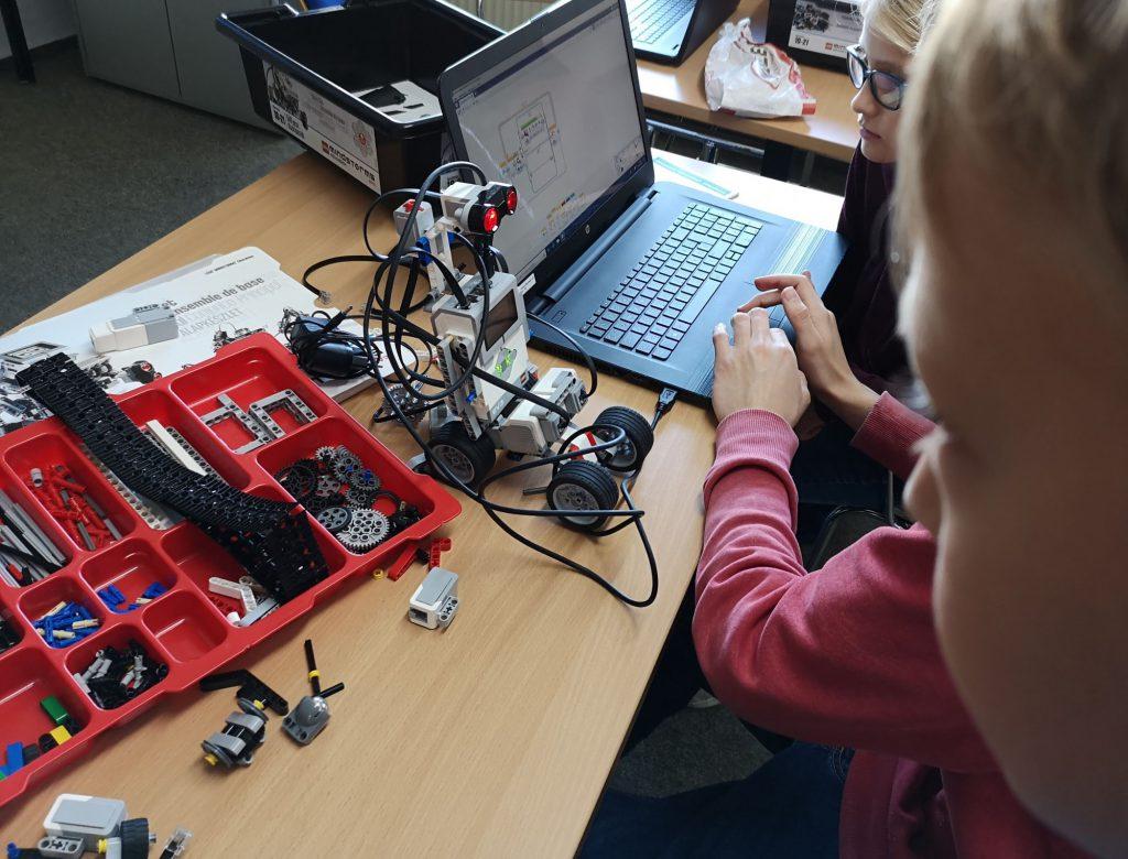 m Rahmen der Europäischen Code Week bietet der Jugendverband Computer % Medien zwei Workshops in Holzwickede für Schüler ab zehn Jahren an. (Foto: privat)