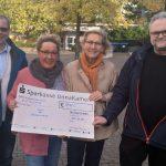 Bürgerblock spendet 400 Euro aus Reibekuchenverkauf