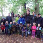 Vater-Kind-Tag des Familienzentrums Löwenzahn im heimischen Wald