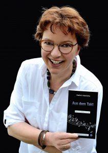 Liest aus ihren beliebten Sauerland-Krimis in der Gemeindebibliothek: die Autorin Kathrin Heinrichs. (Foto: privat)