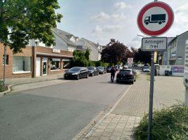 Die Lösungsvorschläge zur Verkehrsführung im Wohngebiet Mozartpark standen gestern auf der Tagesordnung der Verkehrsausschuss-Sitzung: Lkw-Verbot in der Mozartstraße. (Foto: P. Gräber - Emscherblog.de)