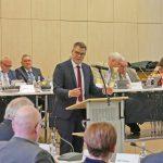 Kreisdirektor Janke bringt Etatentwurf ein: Kaum Entlastung für Kommunen