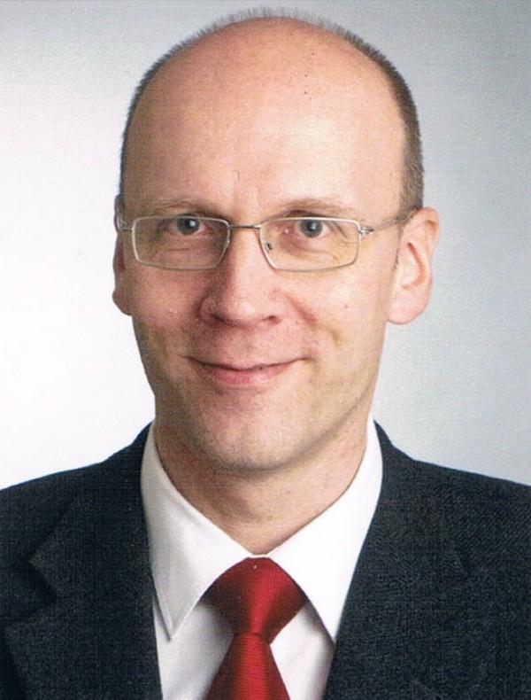 Dr. Karsten Scneider