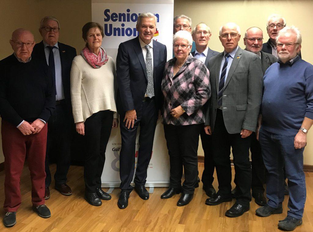 Das Foto zeigt den neuen Vorstand der Senioren Union des Kreises mit dem neuen Vorsitzenden Hubert Hüppe (4.v.l.)  (Foto: Sybille Weber)