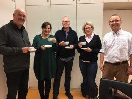 Die Fairtrade-Steuerungsgruppe mit (v.l.) Klaus-Bernhard Kühnapfel, Jutta Eickelpasch, Matthias Tresp, Stephanie Viefhues und Peter Driesch. (Foto: Angelika Molzahn – Kreis Unna)