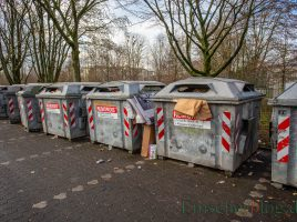 Die letzten drei Papiercontainer-Standorte, hier auf dem Parkplatz Kirchstraße, werden ab Mitte Januar 2020 aufgegeben. Papier, Pappe und Kartonage muss dann über die kostenlose blaue Tonne entsorgt werden. (Foto: P. Gräber - Emscherblog.de)