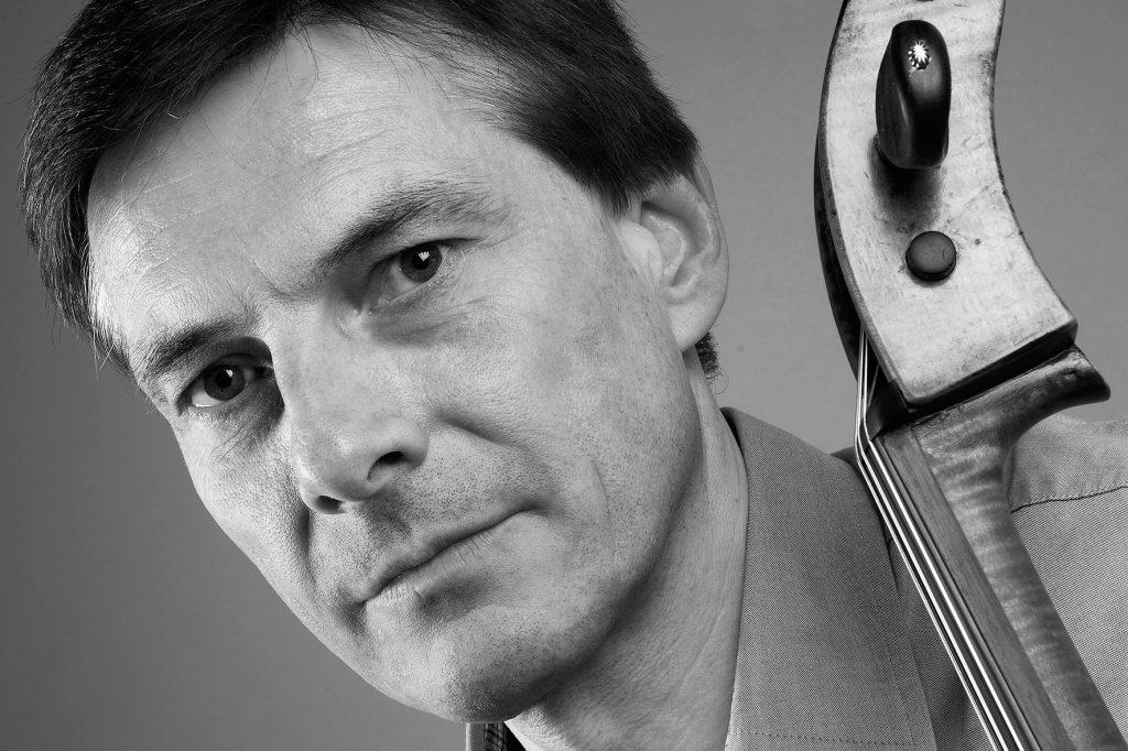 Prof. Tilmann Wick kommt mit einem Cello-Ensemble zur Kammermusik.( Foto: Agentur )